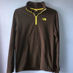 The North face 1/4th Zip Long Sleeve Fleece